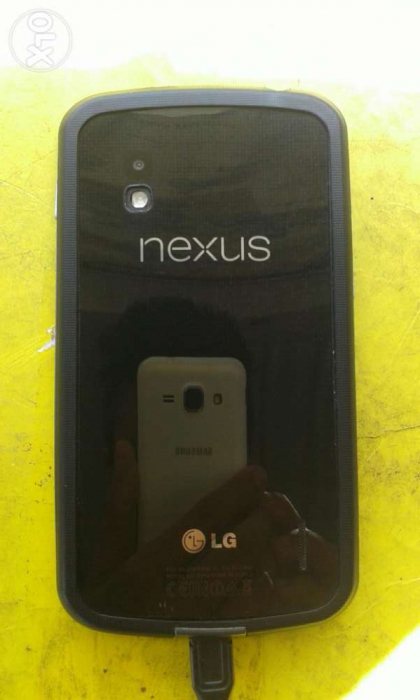 Sell or Exxhange Lg nexus 4